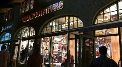 Photo of Clothing Store Urban Outfitters at 845 Lincoln Rd, Miami Beach, FL 33139, United States