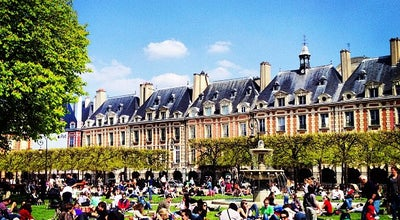 Photo of Plaza Place des Vosges at Place Des Vosges, Paris 75004, France