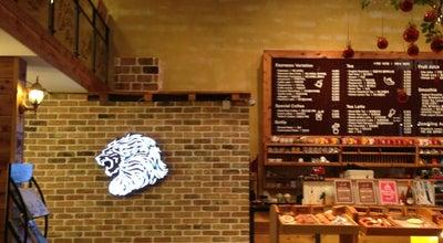 Photo of Cafe 카페 아슬란 (Cafe Aslan) at 해운대구 해운대로774번길 11 해천빌딩, 부산광역시 612-836, South Korea