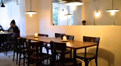 Photo of Modern European Restaurant Gare au Gorille at 68 Rue Des Dames, Paris 75017, France