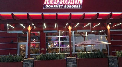 Photo of Burger Joint Red Robin Gourmet Burgers at 1370 Galleria At Tyler, Riverside, CA 92503, United States