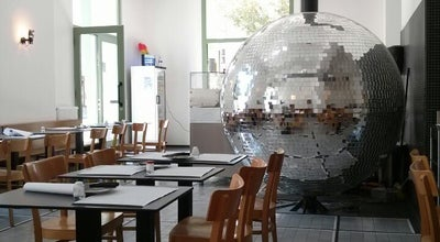 Photo of Pizza Place Pizzeria Disco Volante at Gumpendorfer Str. 98, Wien 1060, Austria