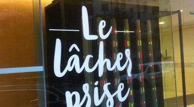 Photo of French Restaurant Bar des Théâtres at 6 Avenue Montaigne, Paris 75008, France
