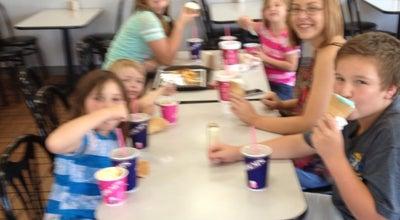Photo of Ice Cream Shop Braum's Ice Cream & Dairy Stores at 500 Main St, Parsons, KS 67357, United States