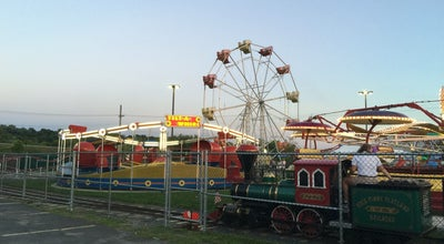 Photo of Theme Park Huck Finns Playland at 25 Erie Blvd, Menands, NY 12204, United States