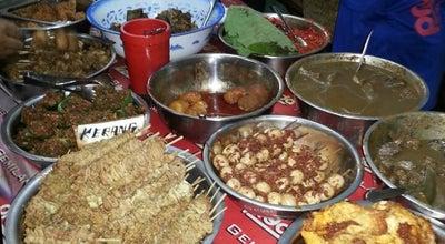 Photo of Indonesian Restaurant Nasi Jamblang Mang Dul at Jalan Dr. Cipto Mangunkusumo, Cirebon 45132, Indonesia