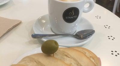 Photo of Coffee Shop La Pequeña Pasteleria de Mama at Calle Poeta Josep Grifol Y Cerverá 14 Bajo, Valencia 46013, Spain