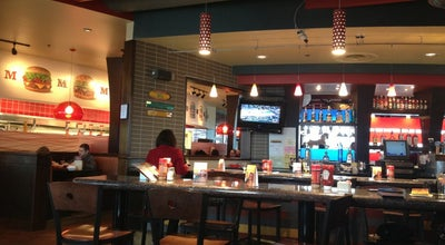 Photo of Burger Joint Red Robin Gourmet Burgers at 8657 W 135th St, Overland Park, KS 66223, United States