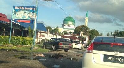 Photo of Mosque Masjid Jamek Kubang Semang at Jalan Tanah Liat, Kubang Semang 14000, Malaysia