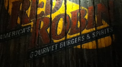 Photo of Burger Joint Red Robin Gourmet Burgers at 2501 W Happy Valley Rd, Phoenix, AZ 85085, United States