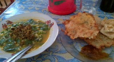 Photo of Vegetarian / Vegan Restaurant Tinutuan Kleak at Oma Tumiwa - Kleak Link V, Indonesia