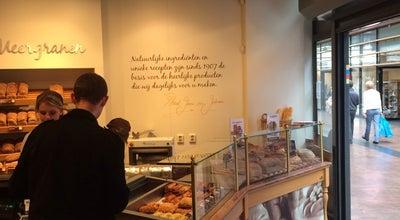 Photo of Bakery Bakkerij Van Maanen at Lange Voort 2g, Oegstgeest 2341 KA, Netherlands