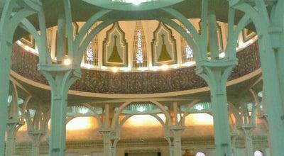 Photo of Mosque Masjid Jamek Negeri Sarawak (Sarawak State Mosque) at Jalan Tun Abdul Rahman, Kuching 93050, Malaysia