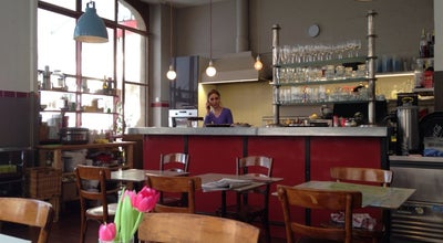 Photo of French Restaurant Tout simplement et pas Autrement at Rue De Soleure 2, Geneva 1207, Switzerland