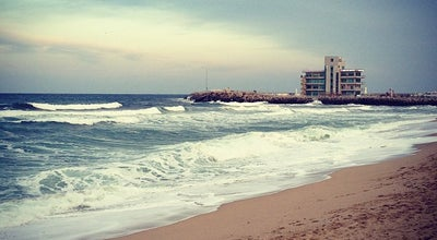 Photo of Beach 안목해수욕장 at 창해로14번길 20-1, Gangneung 210-150, South Korea