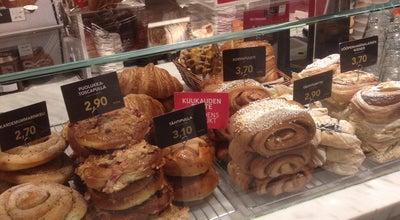 Photo of Bakery Fazer Leipomomyymälä Tapiola at Tapionaukio 9 B, Espoo 00210, Finland