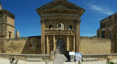 Photo of Monument / Landmark Chateau de La Tour d'Aigues at Place Jean Jaures, La Tour d'Aigues 84240, France
