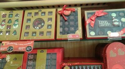 Photo of Chocolate Shop Cacau Show at R Costa Pinto 13, N, CAMAÇARI 42800-040, Brazil
