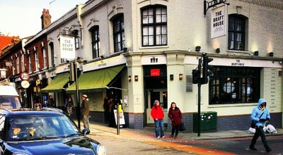 Photo of American Restaurant The Draft House Tower Bridge at 206 - 208 Tower Bridge Road, London SE1 2UP, United Kingdom