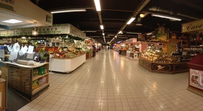 Photo of Farmers Market Halles Centrales at Place Pie, Avignon 84000, France