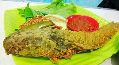 Photo of Diner Warung lalapan Sambel Orek at Alun Alun, Malang, Indonesia