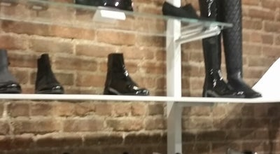 Photo of Shoe Store Stuart Weitzman at 118 Spring St, New York, NY 10012, United States