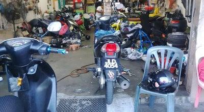Photo of Racetrack bike tech(calong bikers shop) at Jalan Setanggi Majidee Bahru Johor, Johor Bahru 81100, Malaysia