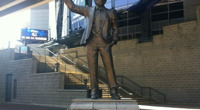 Photo of Monument / Landmark Roger Neilson Statue at Rogers Arena, Vancouver, BC, Canada