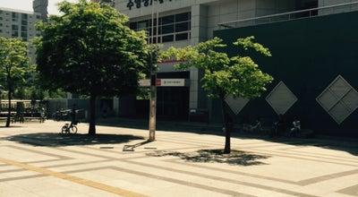 Photo of Pool 고양어울림누리 꽃우물수영장 at 덕양구 어울림로 33, 고양시, South Korea