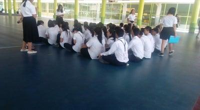Photo of Basketball Court สนามบาส มหาวิทยาลัยเทคโนโลยีราชมงคลธัญบุรี at ธัญบุรี, ปทุมธานี, Thailand