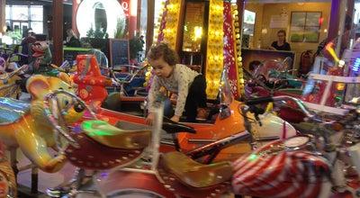 Photo of Arcade Draaimolen at Waasland Shopping Center, Sint-Niklaas, Flanders, Belgium