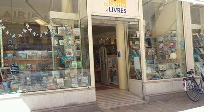 Photo of Bookstore La boîte à livres at 19 Rue Nationale, Tours 37000, France