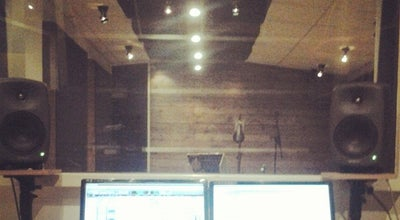 Photo of Music Venue Studio 42 at Jl.banda, Bandung, Indonesia