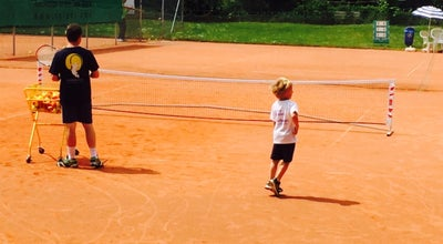 Photo of Tennis Court Tennisclub Blau-Weiss at Parkstrasse 42, Wiesbaden, Germany