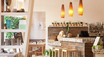 Photo of Vegetarian / Vegan Restaurant Zenzero Ristorante BIstrOt at Via Fratelli Rosselli 18/ab, Bologna 40121, Italy