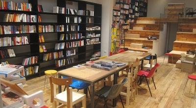 Photo of Bookstore Todo Modo - libreria caffè teatro at Via Dei Fossi 15 Rosso, firenze 50123, Italy