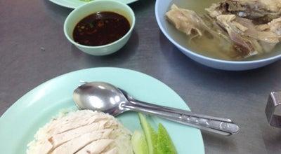 Photo of Asian Restaurant ไก่ตอนประตูน้ำ (โกอ่าง) Kai Ton Pratunam (Go Arng) at 960-962 Phetchaburi Rd., Ratchathewi 10400, Thailand