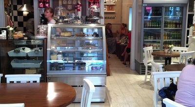 Photo of Cafe Belle Amie at 404 Garratt Ln, Earlsfield SW18 4HP, United Kingdom