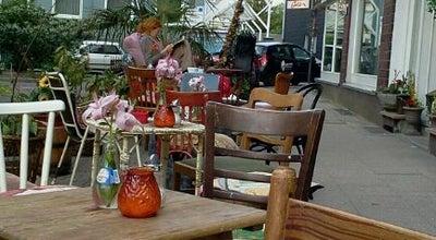 Photo of Cafe Gold Bar at Isenbergstr. 1, Essen 45130, Germany