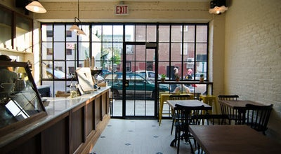 Photo of Restaurant Van Leeuwen at 85 Bergen St, Brooklyn, NY 11201, United States