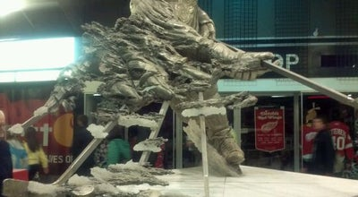 "Photo of Outdoor Sculpture Gordie Howe ""Mr Hockey"" by Omri Amrany at Joe Louis Arena, Detroit, MI 48226, United States"