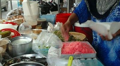 Photo of Food Truck ร้านข้าวยำเมาะวอ at Thailand