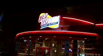 Photo of Burger Joint Red Robin Gourmet Burgers at 15650 Excelsior Dr, Bowie, MD 20716, United States