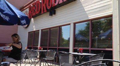 Photo of Burger Joint Red Robin Gourmet Burgers at 1221 Executive Pkwy, Eugene, OR 97401, United States