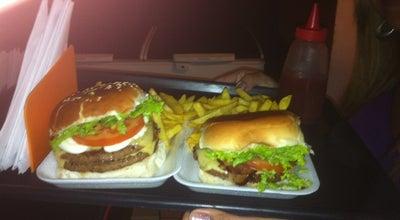 Photo of Burger Joint Garage Burguer at Av. Jacob Emmerich 771, São Vicente, Brazil