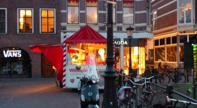 Photo of Ice Cream Shop IJskiosk Venezia at Oudegracht-weerdzijde, Utrecht 3511 AE, Netherlands
