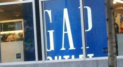 Photo of Clothing Store Gap Outlet at 1912 Chestnut St, Philadelphia, PA 19103, United States