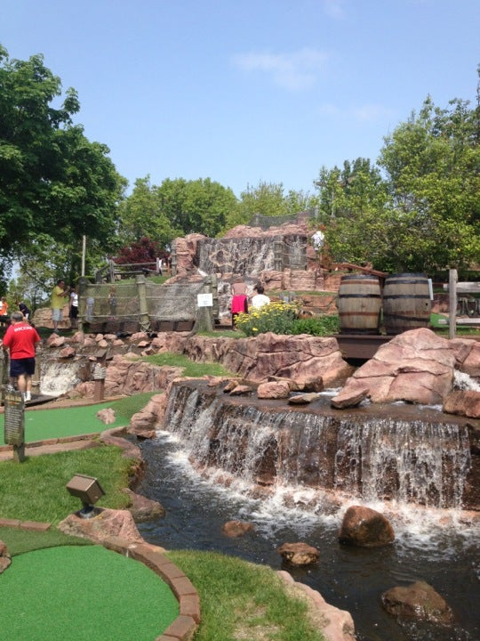 Pirate 39 s cove adventure golf at 728 main st south yarmouth ma for Cove cape cod