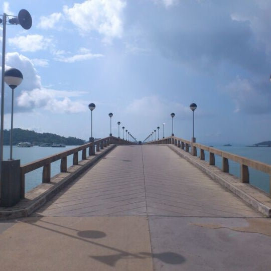 Photo taken at ท่าเรืออ่าวปอ (Ao Por Pier) by Prutti S. on 5/21/2012