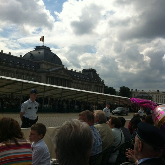 Photo taken at Paleizenplein / Place des Palais by Thibault G. on 7/21/2012